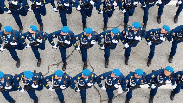 Парад, закрытый концерт и фейерверк: смотрим полную афишу праздника Победы в Волгограде