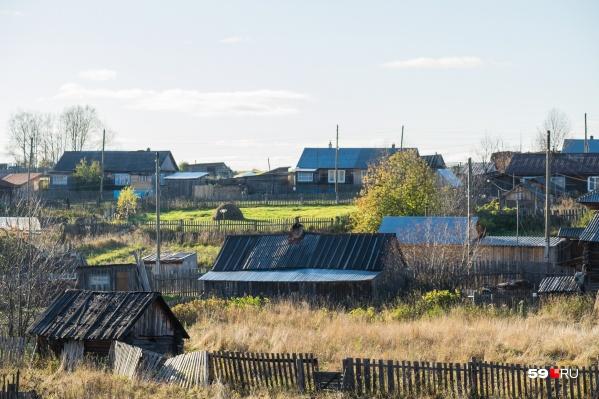 В поселке Керчевский весь день шли поиски. Они завершились успешно — пропавшего мальчика нашли живым и здоровым