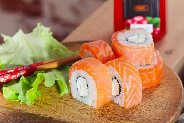 «Суши Make»круглосуточно доставляет свежие роллы и горячие блюда