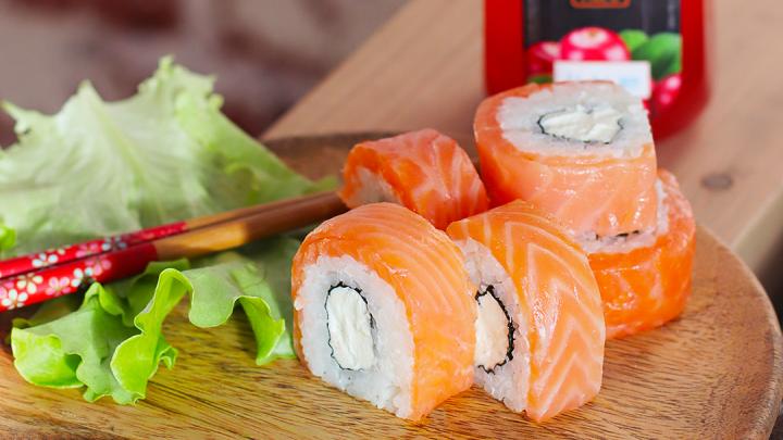 «Суши Make» запустила круглосуточную доставку еды и добавляет бесплатно порцию «Филадельфии Лайт»
