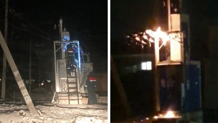 Заискрились провода: электрики вернулись в замерзающий коттеджный поселок под Екатеринбургом