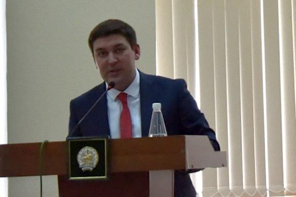 Ришат Дихин потратил на отсыпку дорог, согласно документации, более 3 миллионов рублей