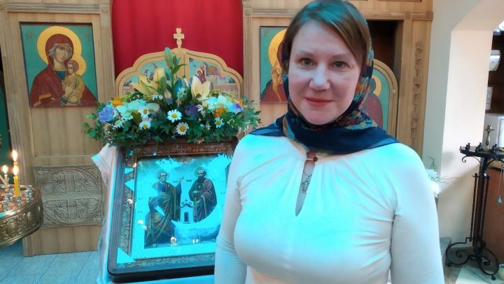 Накажут ли православную активистку за слова о том, что губернатор — «враг церкви»? Мы спросили экспертов