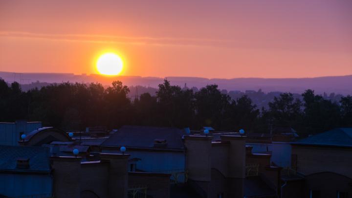 Красноярцы поделились в соцсетях фотографиями красивого заката после дождя