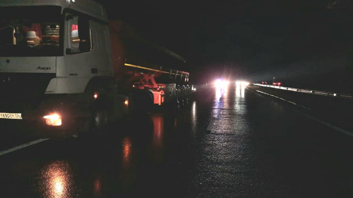 На трассе в Башкирии бензовоз на скорости сбил пешехода