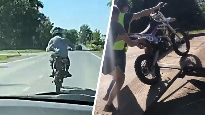 В Каменске-Уральском юный мотоциклист без прав устроил гонки с ГИБДД. И проиграл