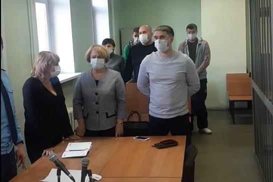 В Екатеринбурге осудили финансовых махинаторов, которые незаконно вывели за рубеж гигантскую сумму