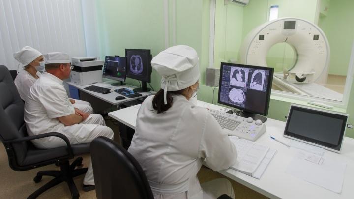 Смерть замдиректора интерната и новые карантины: коронавирус выбивает жителей Волгограда и области