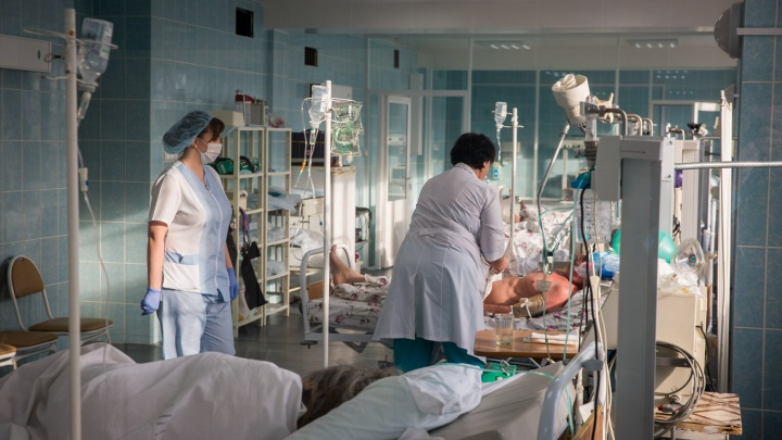 Минздрав НСО решил развернуть ковидные госпитали в двух больницах