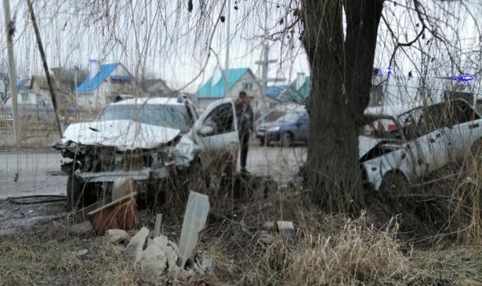 «Никто не знает водителя»: в ДТП на юге Волгограда погибли лучшие друзья, у одного остался годовалый ребенок