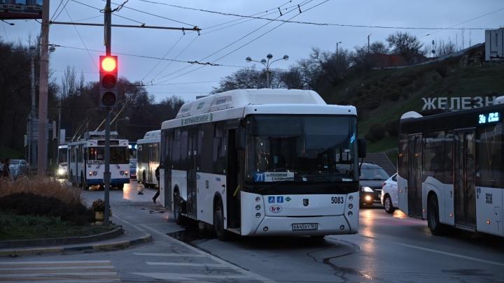 В Ростове 13 человек пострадали в столкновении двух автобусов — подробности в режиме онлайн
