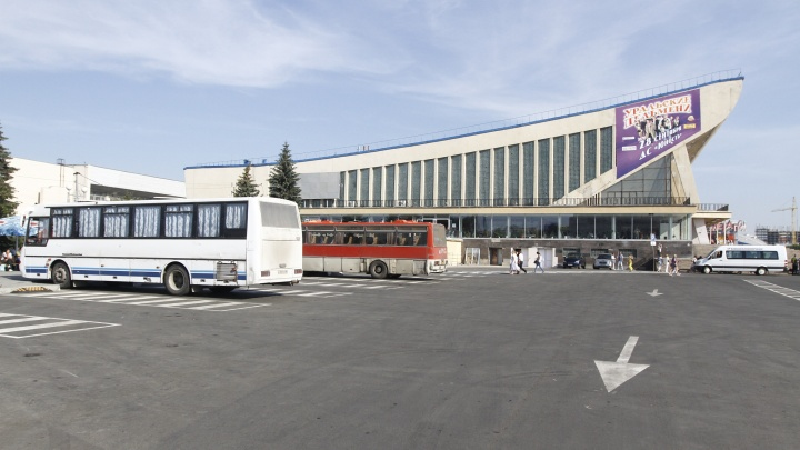 С голосования челябинцев за перенос автовокзала из ДС «Юность» прошёл почти год. Что (не) изменилось?