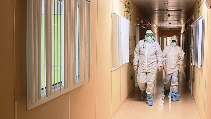 «Красную» зону нового военного госпиталя в центре Омска сняли на видео