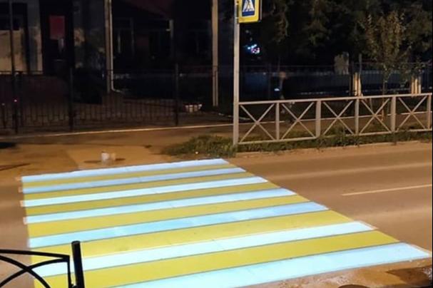 В Перми появился первый проекционный пешеходный переход