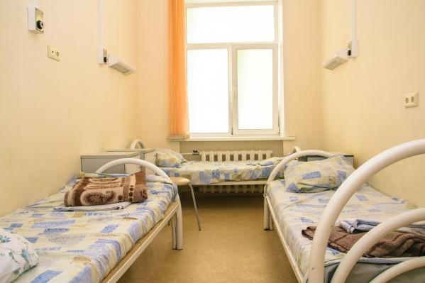 После санитарной обработки и разрешения Роспотребнадзора отделение возобновит работу