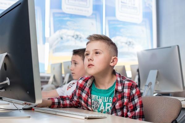 Без зубрежки и нудных уроков: в Тюмени открылись IT-курсы для школьников