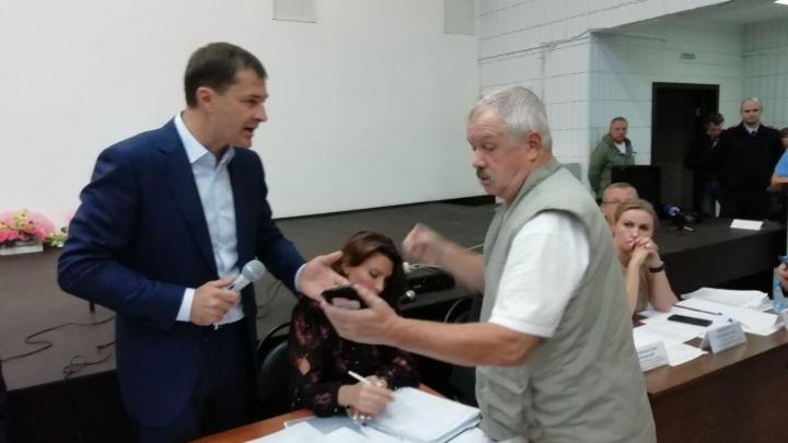 «Грош цена вашим словам, уважаемый мэр»: встреча жильцов взорвавшегося дома с главой Ярославля. Онлайн