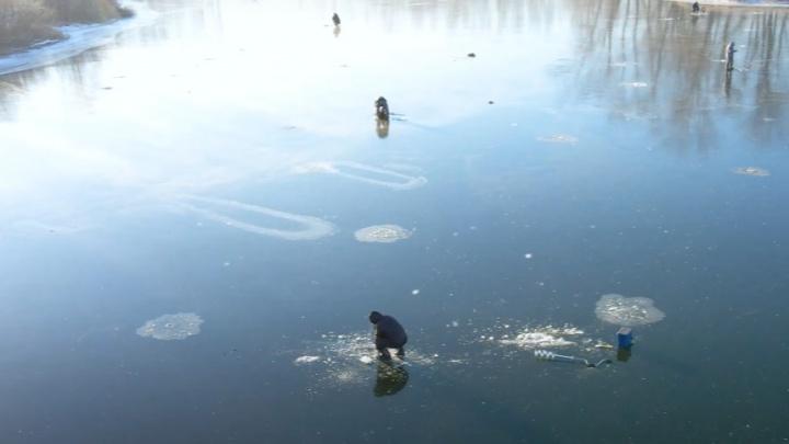 Бесстрашные: в Самаре открыли сезон зимней рыбалки на льду
