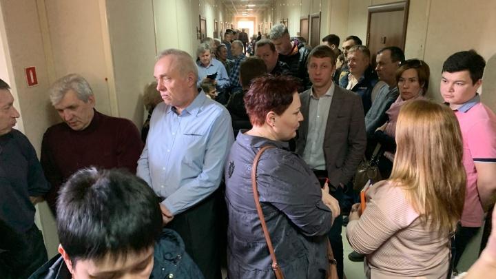 «Продолжают продавать места»: в Самаре начался суд по сносу огромного гаражного кооператива