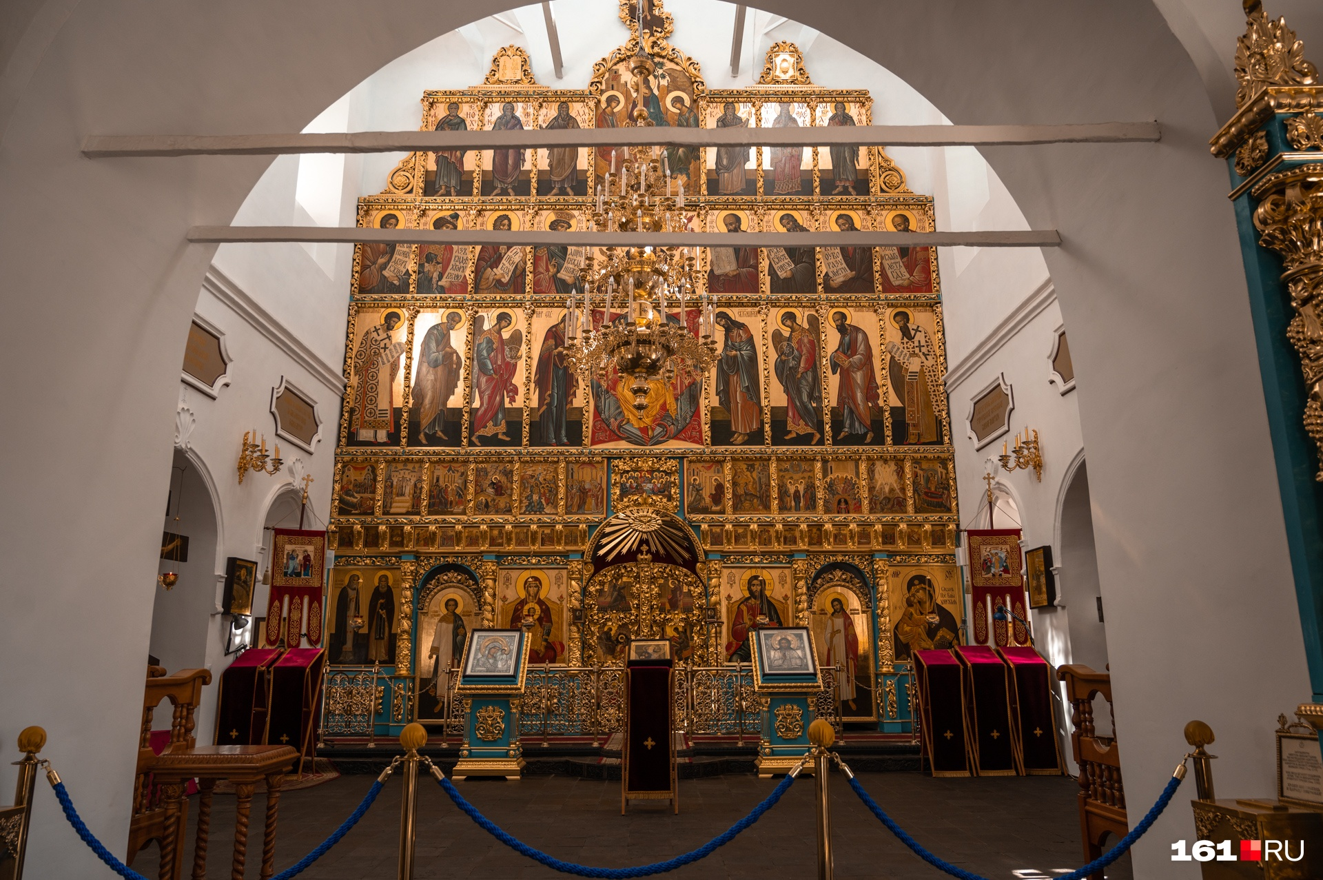 Воскресенский войсковой собор изнутри