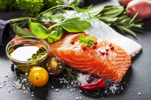 В 110 граммах лосося содержится суточная норма витамина D