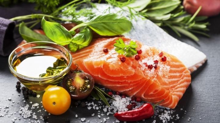 Повышает иммунитет и помогает бороться с хандрой: омичи смогут купить рыбу по сниженным ценам