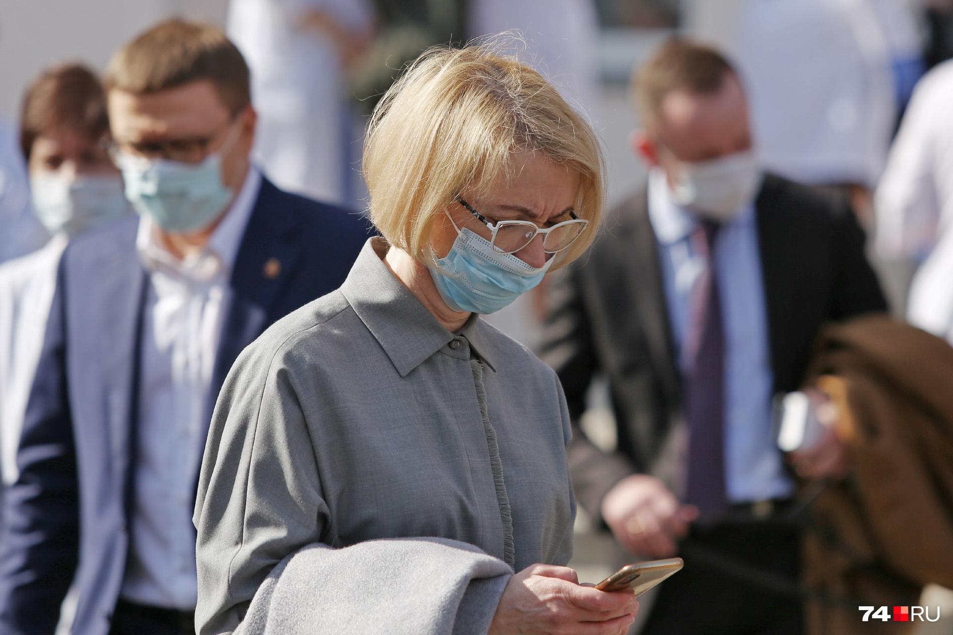 Ирина Гехт прояснила до копейки суммы допвыплат для врачей