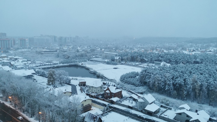 Красноярск завалило снегом: утренняя подборка фото