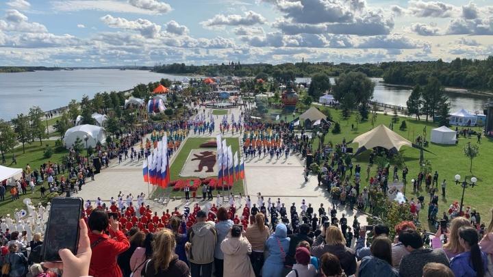 Толпы народа, море еды. «Пир на Волге» в Ярославле: как всё было