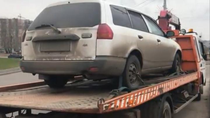 Красноярец накопил 116 штрафов за нарушения ПДД и лишился машины