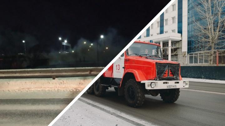 В Тюмени на заправке загорелась машина