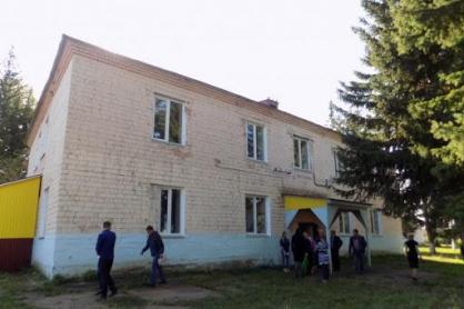 Бизнесмен купил недострой и продал администрации квартиры с плесенью, предназначенные для сирот