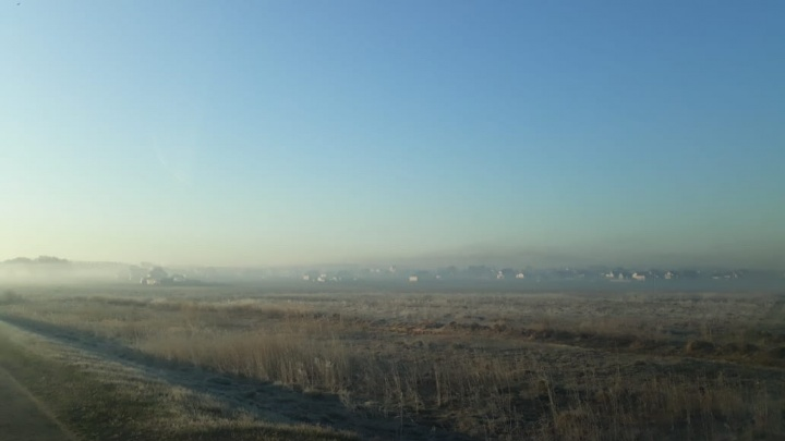 Мы задыхаемся: жители посёлка Коченёво жалуются на дым из-за горящей свалки