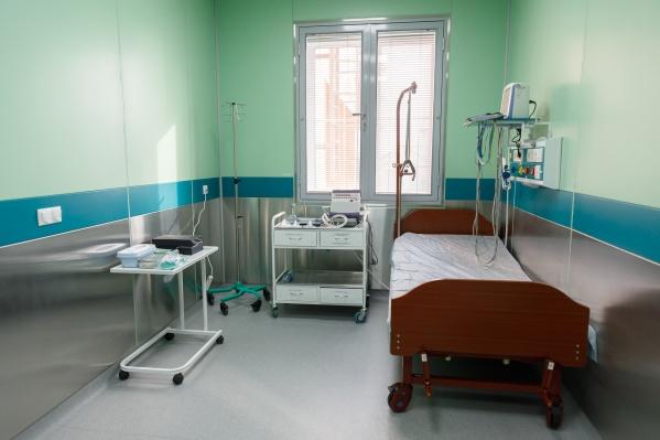 Пациент провел в изоляции 14 дней