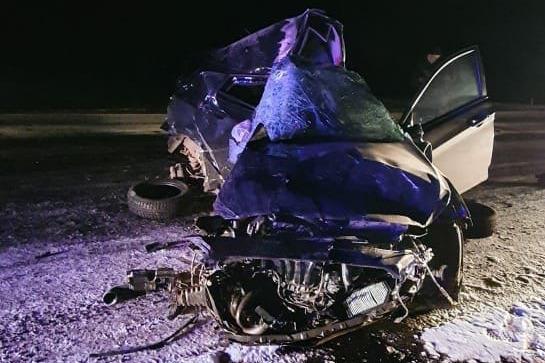 В Башкирии многотонный грузовик раздавил легковушку, водитель выжить не смог. Публикуем эксклюзивные фото с места