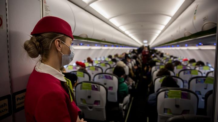 Пассажиры с температурой никуда не улетят: авиакомпаниям дали план выхода из коронавирусных ограничений