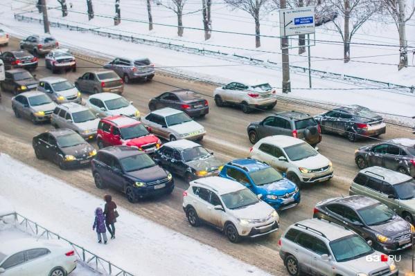 Парковка станет платной на 48 улицах города