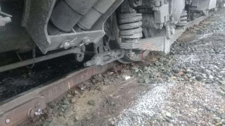 В Самарской области электровоз сошел с рельс