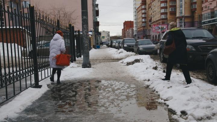 «Пытаемся найти грань»: мэр Челябинска объяснила, почему не все тротуары чистят ото льда