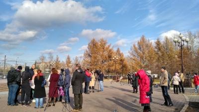 «Сидели в намордниках и молчали»: в Красноярске прошел митинг против масочного режима