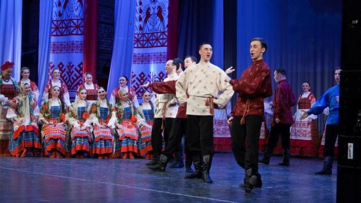 В Архангельске расследуют заражение 34 сотрудников Северного народного хора COVID-19