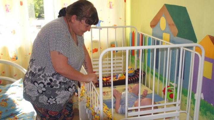 Кемеровские врачи спасли 8-месячного ребёнка с редкой болезнью. За его жизнь боролись несколько дней