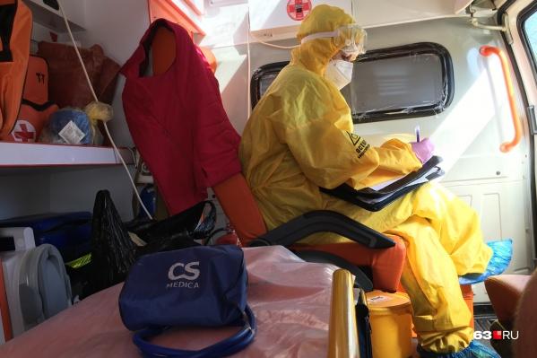 В период пандемии коронавируса нагрузка на сотрудников скорой возросла многократно