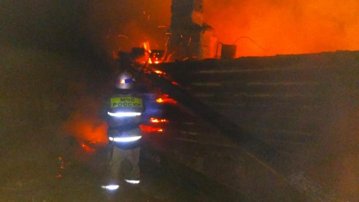 В ночном пожаре в Башкирии погибли три человека