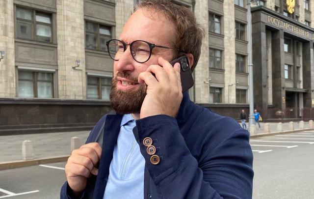 «Хватают и бьют»: депутат Госдумы от Кузбасса прокомментировал протесты в Белоруссии