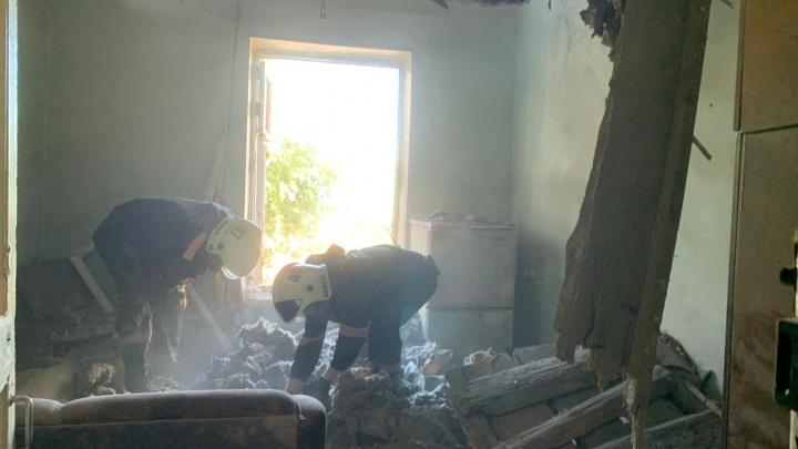 В доме Железнодорожного района рухнул потолок — при разборе завалов нашли тело человека