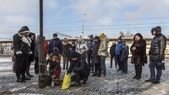 «Наказать всех причастных»: в Волгограде прошел автопробег в память об убитом Романе Гребенюке