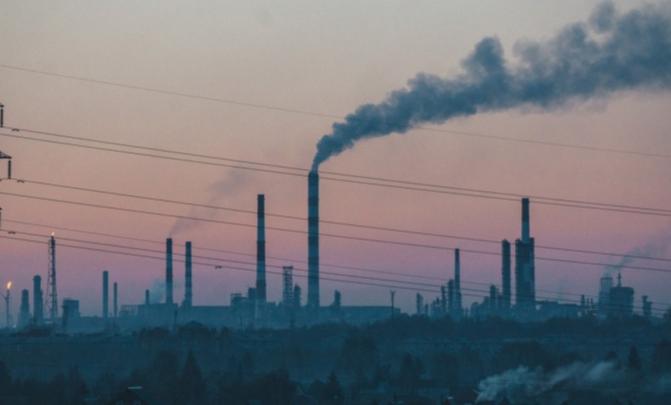 Уровень этилбензола в омских Нефтяниках в два раза превысил норму