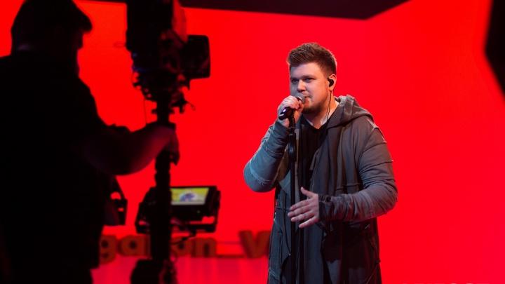 Мастер пародий Кирилл Нечаев вместе со строителями снял трогательный клип на песню про Урал