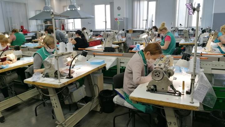 А.В.Т.-Спорт спешит на помощь: компания начала шить защитные маски